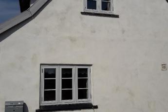 To vinduer i gavl udskiftet. Kpk træalu